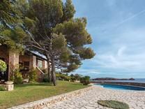 Имение на первой линии между Cannes и Saint Tropez