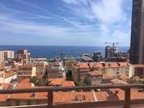 Двухкомнатный пентхаус с видом на море и Монако