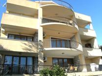 Апартаменты с мебелью рядом с морем в Бечичи
