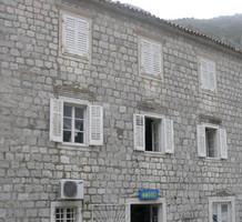 Каменный дом под ремонт на первой линии в Муо, продажа. №10164. ЭстейтСервис.