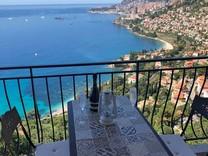 Квартира с захватывающим видом на Roquebrune-Cap-Martin