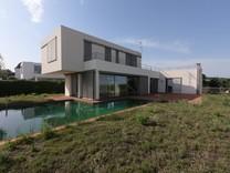 Новый дом в нескольких шагах от пляжа в Arenys de Mar