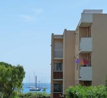 Вместительные апартаменты с одной спальней с видом на море в Антибах, продажа. №16974. ЭстейтСервис.