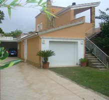 Уютный дом в пяти минутах ходьбы от центра и пляжа, продажа. №33127. ЭстейтСервис.