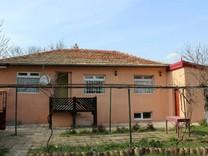 Новый просторный дом в селе Изгрев