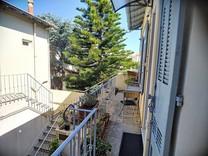 Трёхкомнатные апартаменты рядом с Place de Gaulle