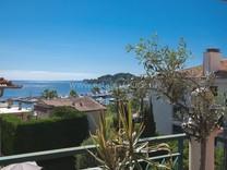 Двухуровневая квартира возле моря на Cap Ferrat