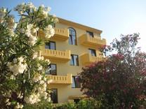 Апартаменты с красивыми видами в Сутоморе