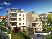 Новые квартиры в шести минутах ходьбы от моря в Антибах