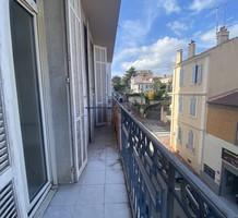 Редкая квартира под ремонт в Каннах, rue Boucicaut, продажа. №40218. ЭстейтСервис.
