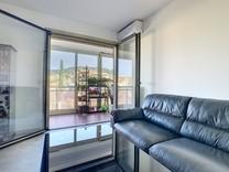 Двухкомнатная квартира с лоджией в центре Канн