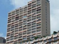Трехкомнатные апартаменты с видом на море в Монако