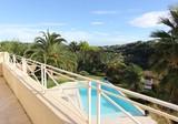 Дом с бассейном и видом на море в Saint-Paul-de-Vence
