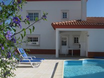 Вилла с бассейном в São Martinho do Porto