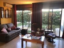 Дом с четырьмя спальнями на Carrer Rossinyol в Boscos de Tarragona