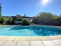 Вилла с бассейном в окрестностях Ниццы - Levens