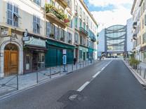 Квартира в районе Place Garibaldi и Musée d'Art Moderne