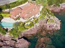 Дом с прекрасным видом на море в Теуль-сюр-Мер