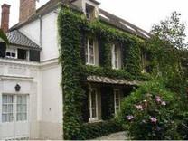 Дом в Фонтенбло, пригороде Парижа