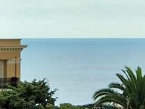Двухкомнатная квартира с видом на море в Cap-d'Ail