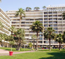 Студия с видом на море на набережной Круазет в Cannes, продажа. №11761. ЭстейтСервис.