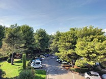 Красивая вилла возле парка в Croix-des-Gardes