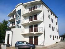 Четырёхкомнатные апартаменты в окрестностях Бара