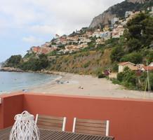 Трёхкомнатная квартира буквально на пляже в Roquebrune , продажа. №39673. ЭстейтСервис.