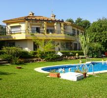 Большой дом с 4 спальнями в Альаурин де ла Торре, продажа. №30028. ЭстейтСервис.