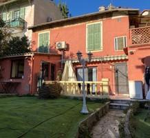 Тихая вилла в Ницце, сектор Mantega - Righi, продажа. №38660. ЭстейтСервис.