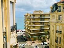 Апартаменты с видом напротив Plage du Casino