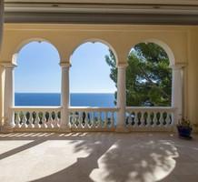 Большая буржуазная квартира с видом на Cap-d'Ail, продажа. №40098. ЭстейтСервис.