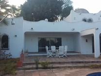 Вилла с 4 спальнями в Эстепона