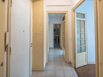 Двухкомнатная квартира с хорошим потенциалом в Ницце