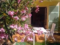 Уютная студия с садом и гаражом на Кап Ферра
