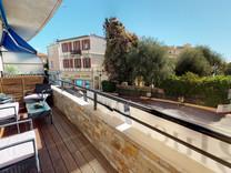 Современная квартира с двумя спальнями в Болье
