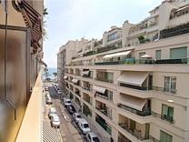 Квартира с видом между Marriott Hotel и Le Negresco