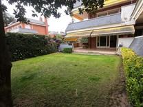 Большой дуплекс с садом в Sant Andreu de Llavaneres