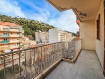 Квартира под обновление в Ницце, сектор Ла Мадлен