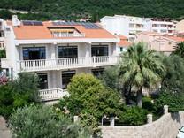 Вилла рядом с морем в Черногории