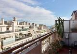 Трёхкомнатная квартира с видом в 300 метрах от моря