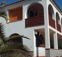 Двухэтажный дом в тихой урбанизации Calonge, продажа. №38403. ЭстейтСервис.