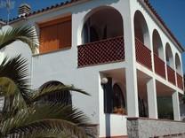 Двухэтажный дом в тихой урбанизации Calonge