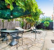 Трёхкомнатная квартира с большим садом в Каннах, продажа. №35372. ЭстейтСервис.