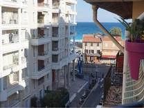 Двухкомнатная квартира в ста метрах от моря