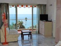 Двухкомнатная квартира с видом на море в Ментон, Гараван