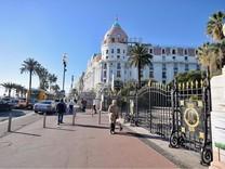 Трёхкомнатные апартаменты в отеле Negresco