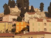 Пентхаус в районе Старого города Ментона