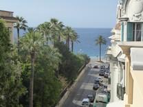 Пентхаус с видом на море на углу Rue de Rivoli и Rue France