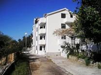 Апартаменты с одной спальней с видом на море в Свети Стефан